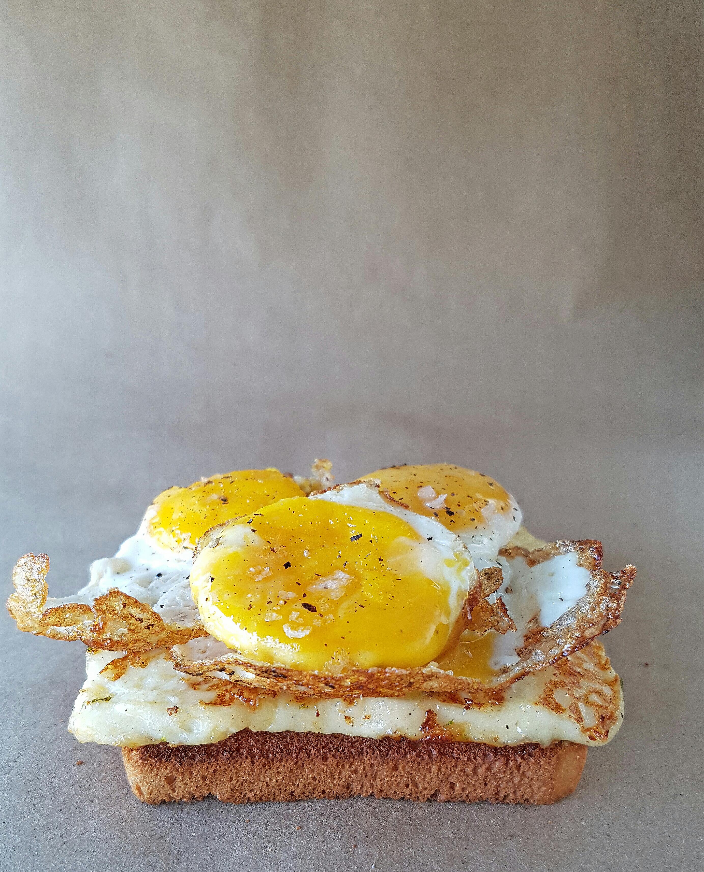 Cheesy Egg Toast 2